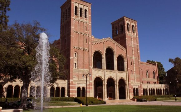 Top 10 Colleges for Music production